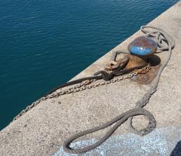 Rope, Rust, Chain.