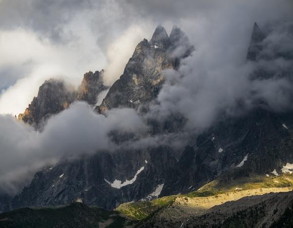 Storm Midi Aiguille by hwatt