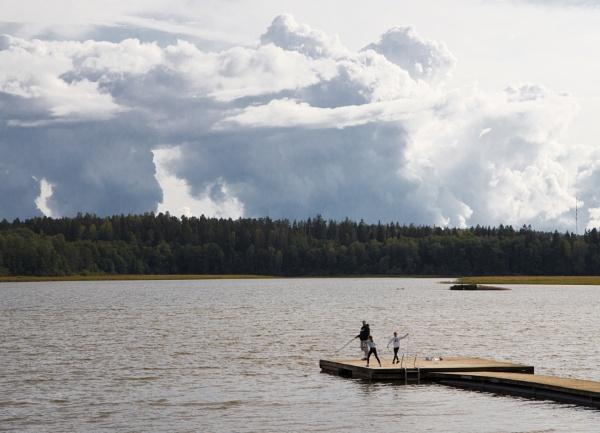 Cumulus nimbus (Thunder clouds) by Jukka