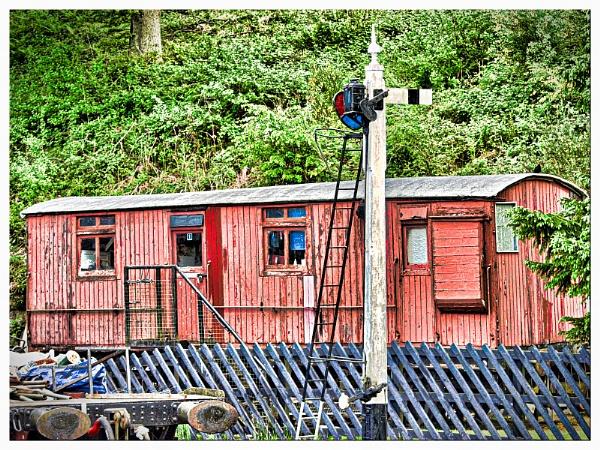 OLD RAILWAY CARRIAGE. by kojack