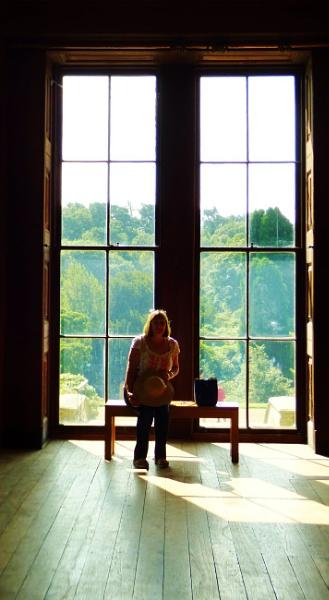 Window seat by kevlense