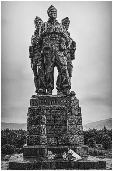 Commando Memorial by mikecrowley