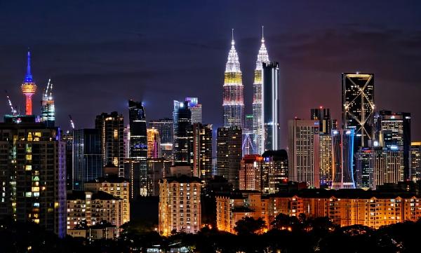 Kuala Lumpur evening skyline by sawsengee
