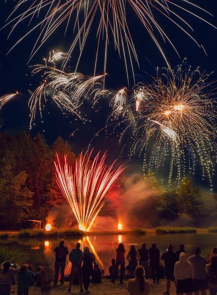 Fireworks 8 by hwatt