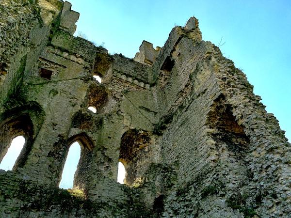 Helmsley castle by groovypinkchick