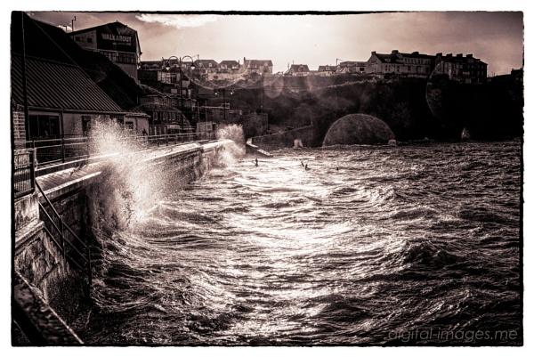 High Tide II by Alan_Baseley