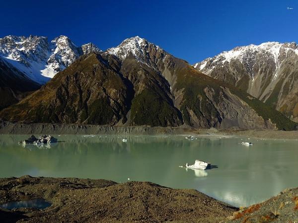 Tasman Glacier Lake 5 by DevilsAdvocate