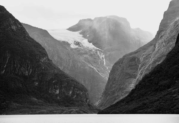 Kjenndal Glacier by nclark