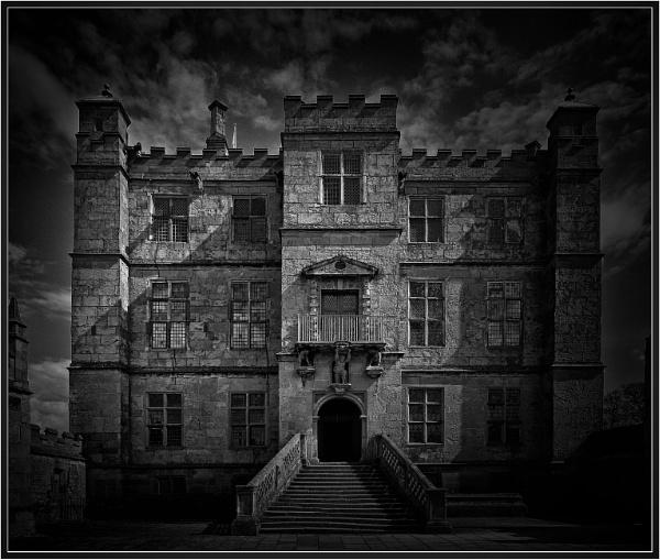 Bolsover Castle main entrance by PhilT2