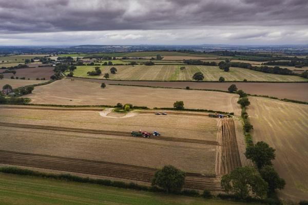 Working the fields by gbukwolfie