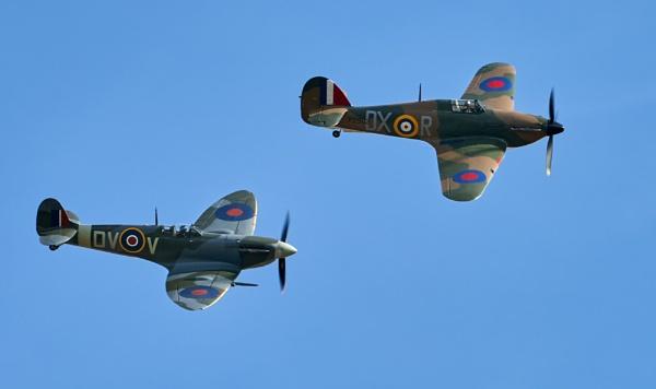 Hurricane-Spitfire pair by Fatronnie