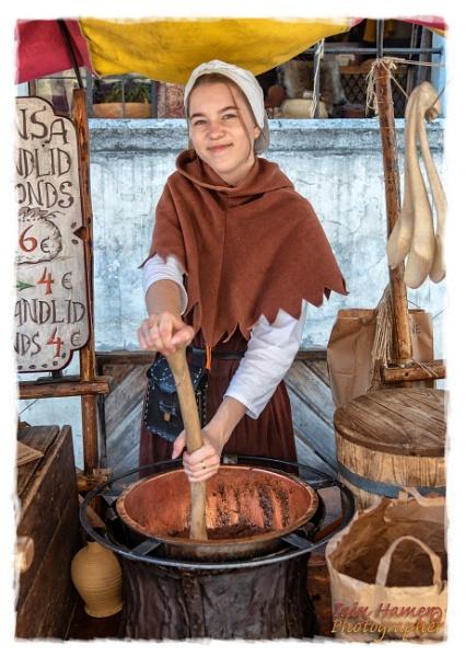 Chocolate almond maker by IainHamer