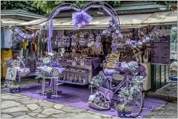 Isola Bella shops by TrevBatWCC