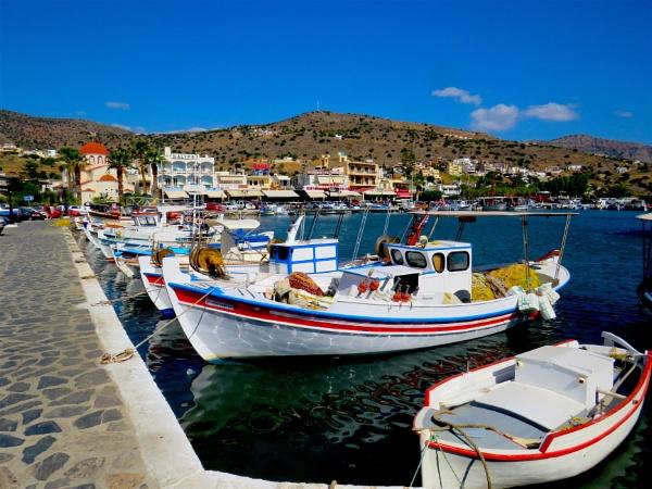Boats at Elounda by ddolfelin