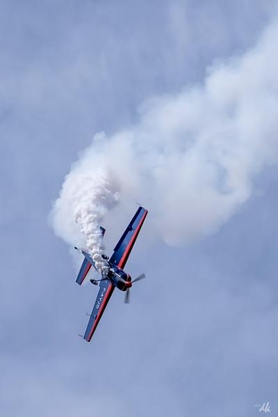 Aerobatics by chataignier