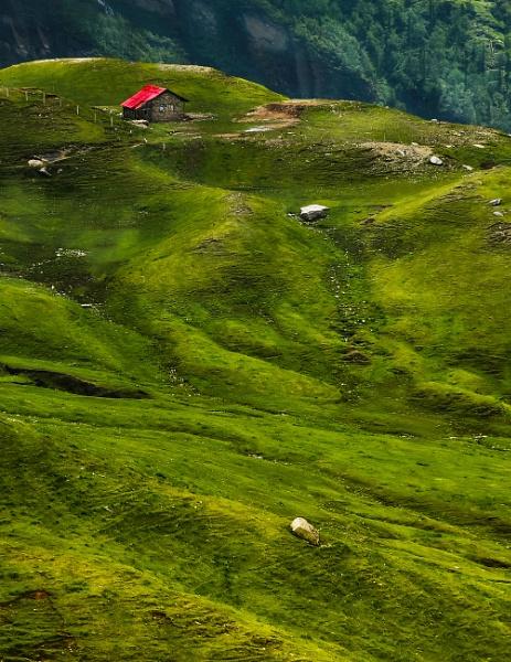 Mountain village by suvranka