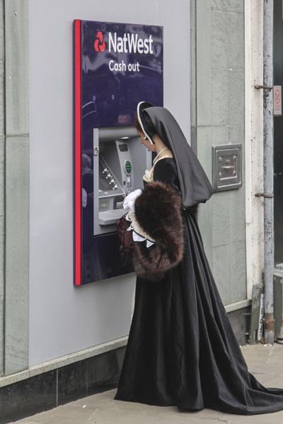 Cash Point Queen ! by sandwedge