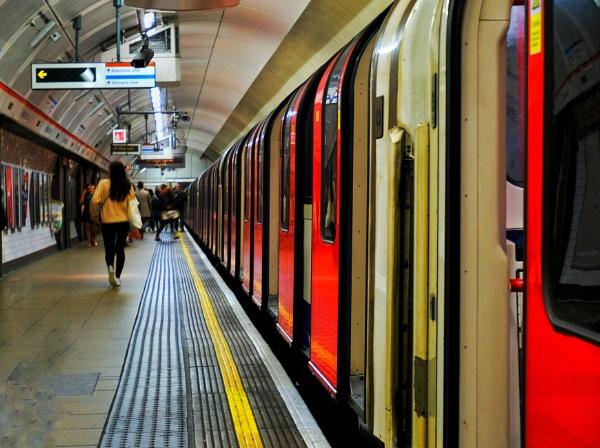 Last Tube by marcsneddon