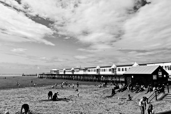 St Anne\'s pier by elmer1