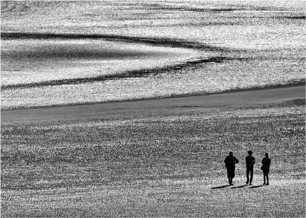 A walk across the bay. by franken