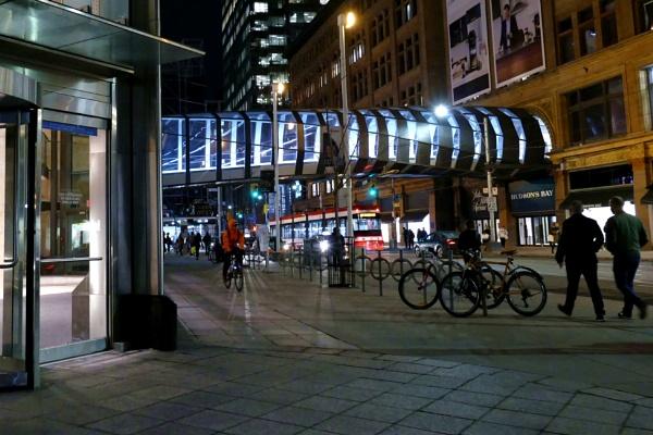 Night street view by manicam