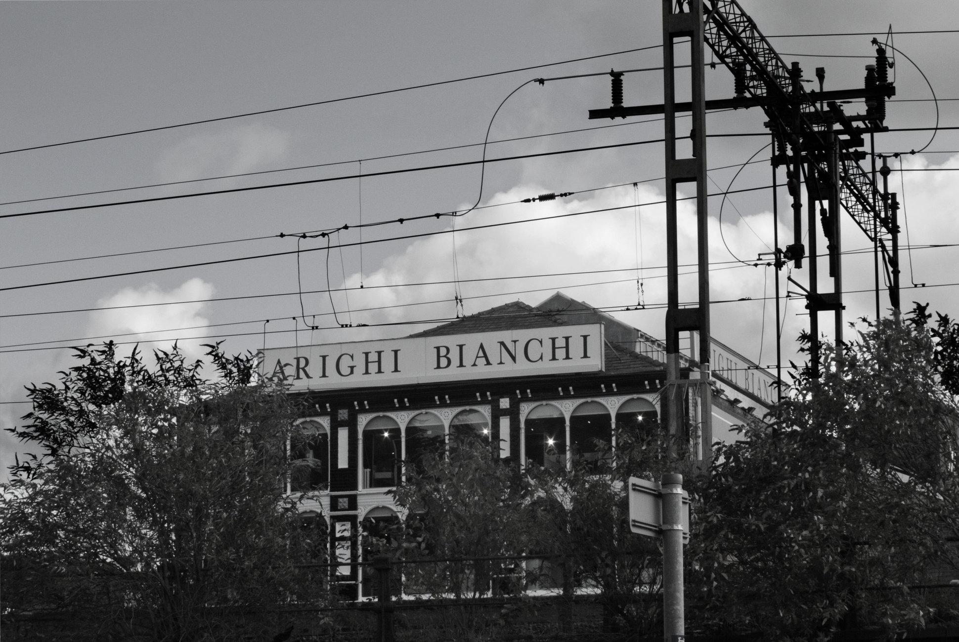 Arighi Bianchi, Macclesfield.