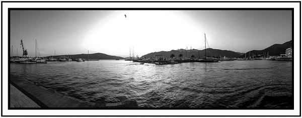 Porto M  at  dawn by nklakor
