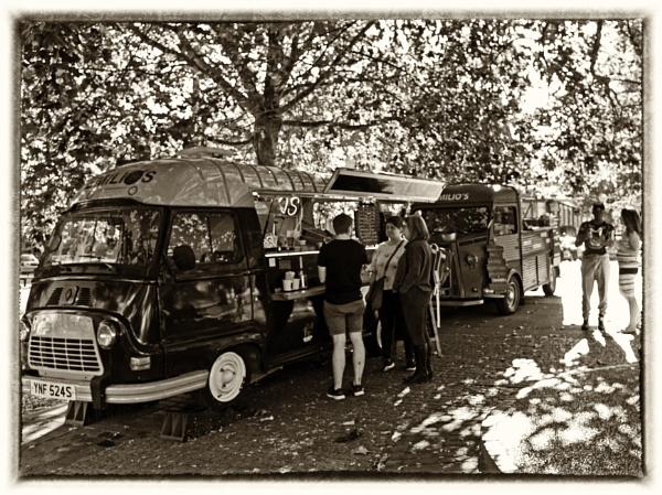 Emilio\'s Street Food - Harpenden Town Centre by starckimages