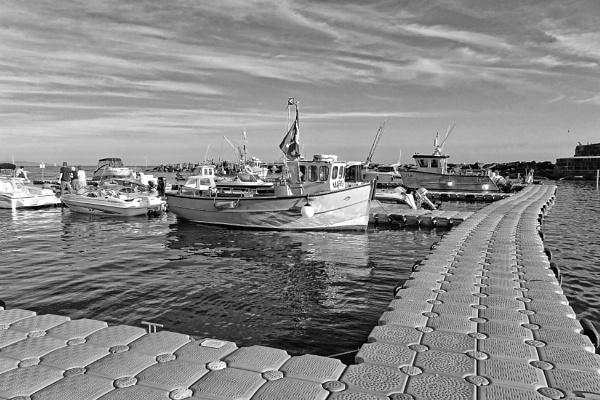 Floating Pontoon & Boats, Lyme Regis Harbour by starckimages