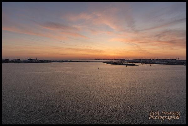 Dawn over Zebrugge by IainHamer