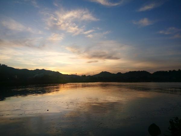 Sunrise by jkrix