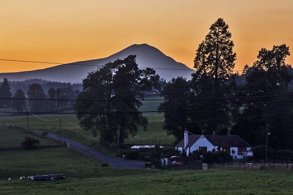 Sunset around Ben Lomond by johnsd