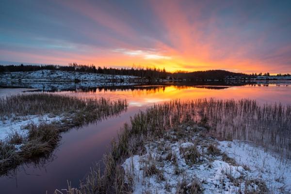 Loch Rusky by PaulHolloway