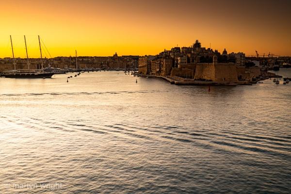 Sunrise At Valletta by mmart