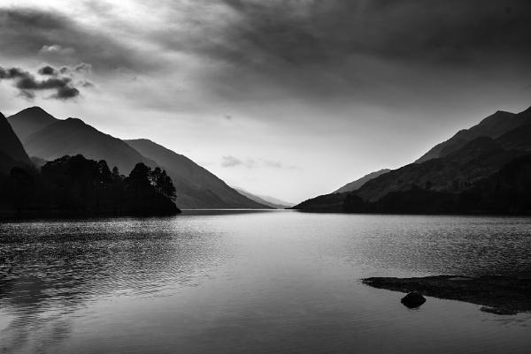 Loch Shiel by bobbyl