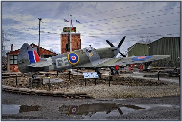 Spitfire Mk IX by PhilT2