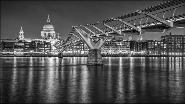 Millennium Bridge by Kilmas