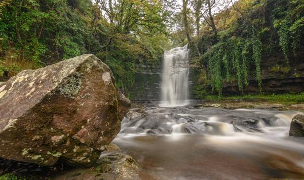 waterfall by brrttpaul