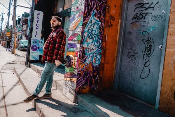 Street View Portrait by manicam