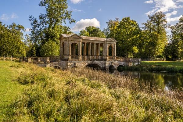 Palladian bridge. by drevilescort