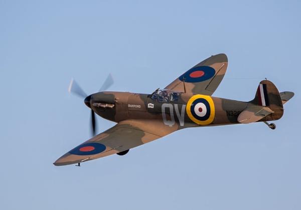 Supermarine Spitfire Mk.Ia N3200 by TornadoTys