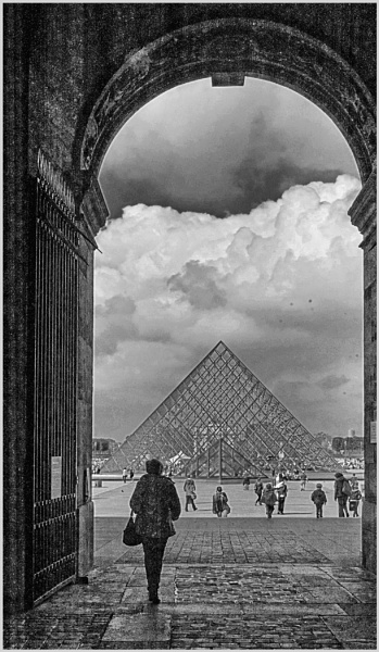 Through to the Louvre by AlfieK