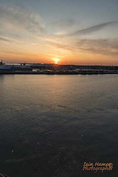 Sunrise over Zeebrugge 2 by IainHamer