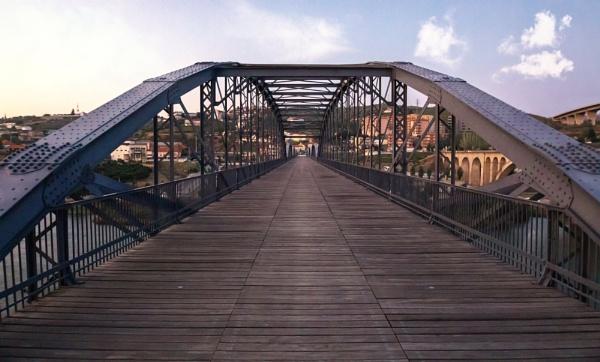 bridges at Peso da Régua by DBoardman