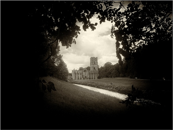 Fountains Abbey by woolybill1