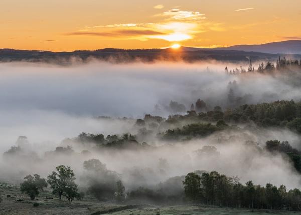 Sunrise over Callander by PaulHolloway