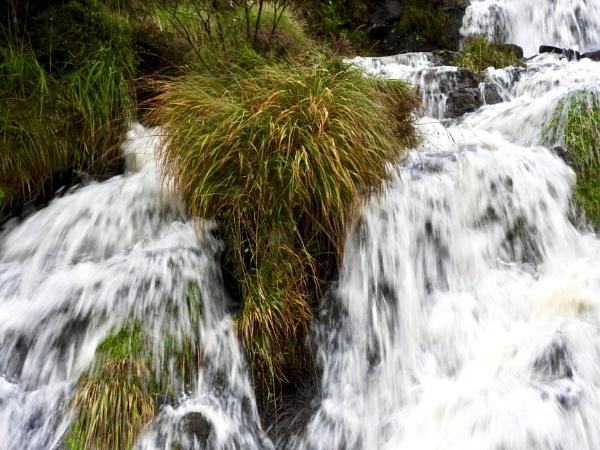 Waterfall by roge21