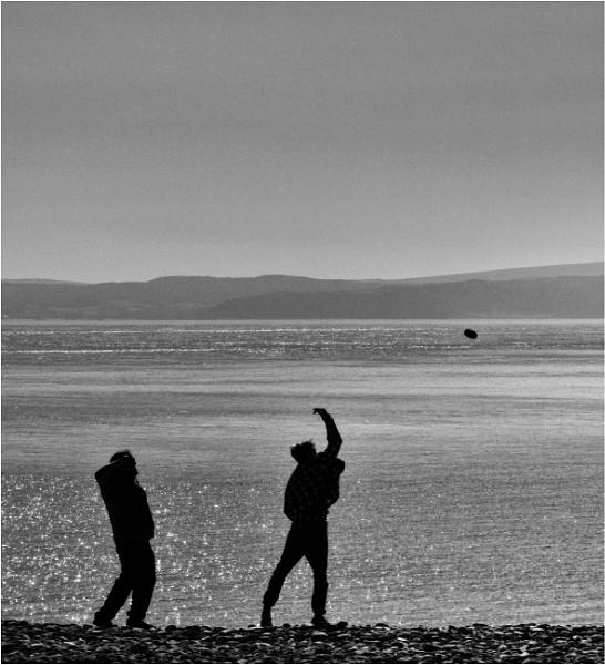 Pebble throwing. by franken