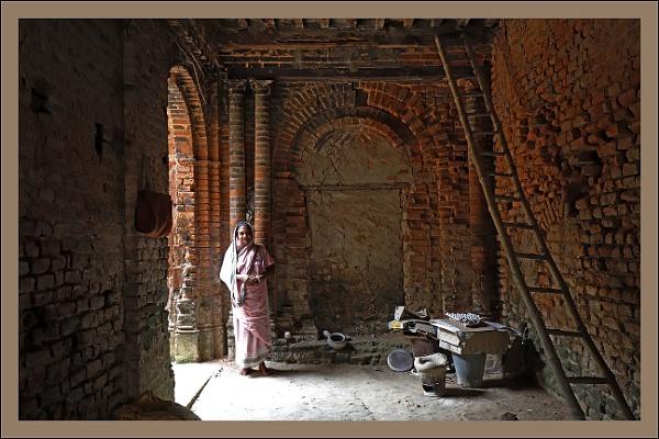 Guardian of the Ruin by prabhusinha