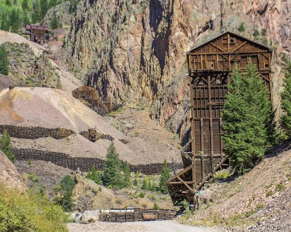 Abandoned silver mine by jbsaladino
